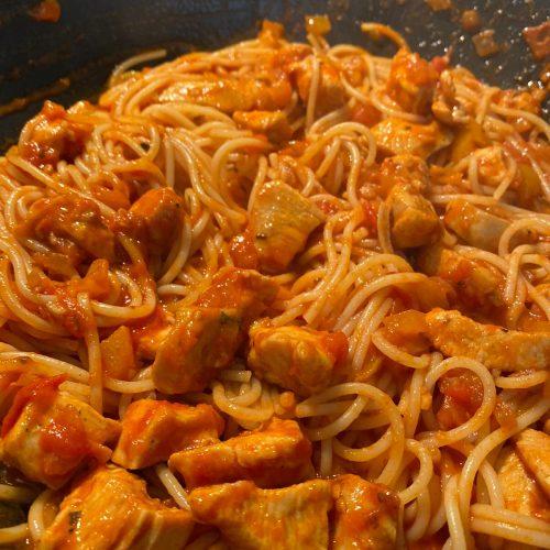 brza tjestenina s piletinom i povrćem